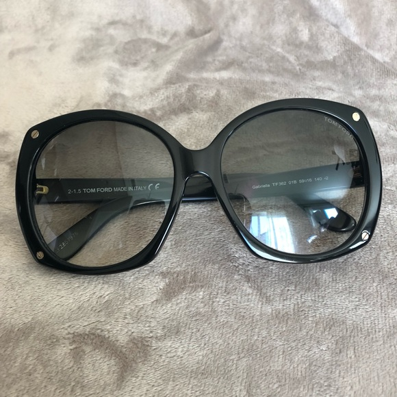 9b0190d7ad45 Tom Ford Gabriella Sunglasses. M 5aec914ef9e5012199f8ad3f. Other Accessories  ...